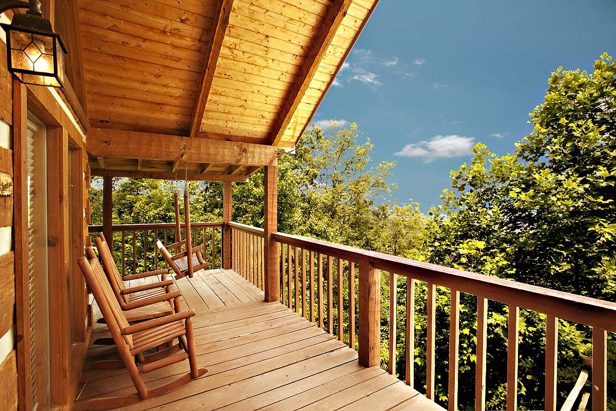 Lovesong 1 bedroom cabin from hearthside cabin rentals for 1 bedroom pet friendly cabins in gatlinburg tn